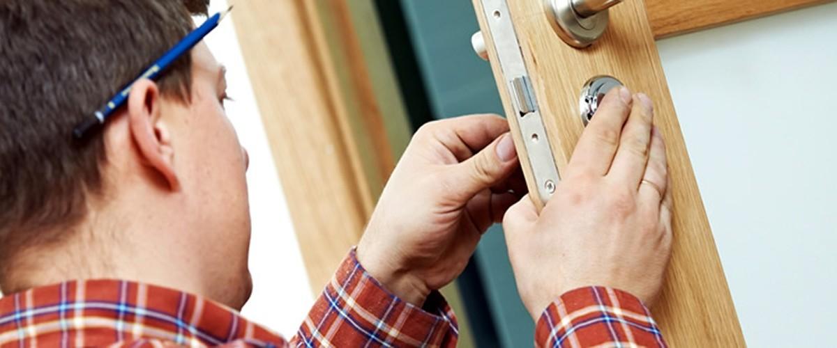 Enlace permanente a:Servicios Cerrajeros 24 Horas