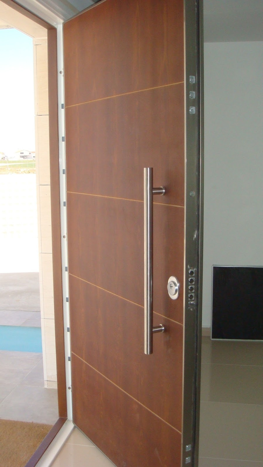 Cerrajeros en elche cerrajero en elche medina for Puertas seguridad