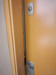 Cerrajero en Torrevieja --- cambio de cerraduras 24 horas